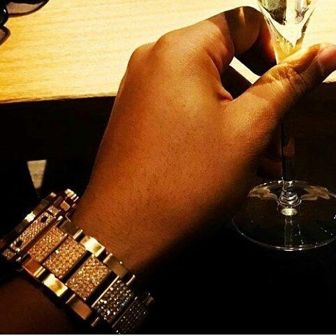 ELLY 腕時計 ウブロ