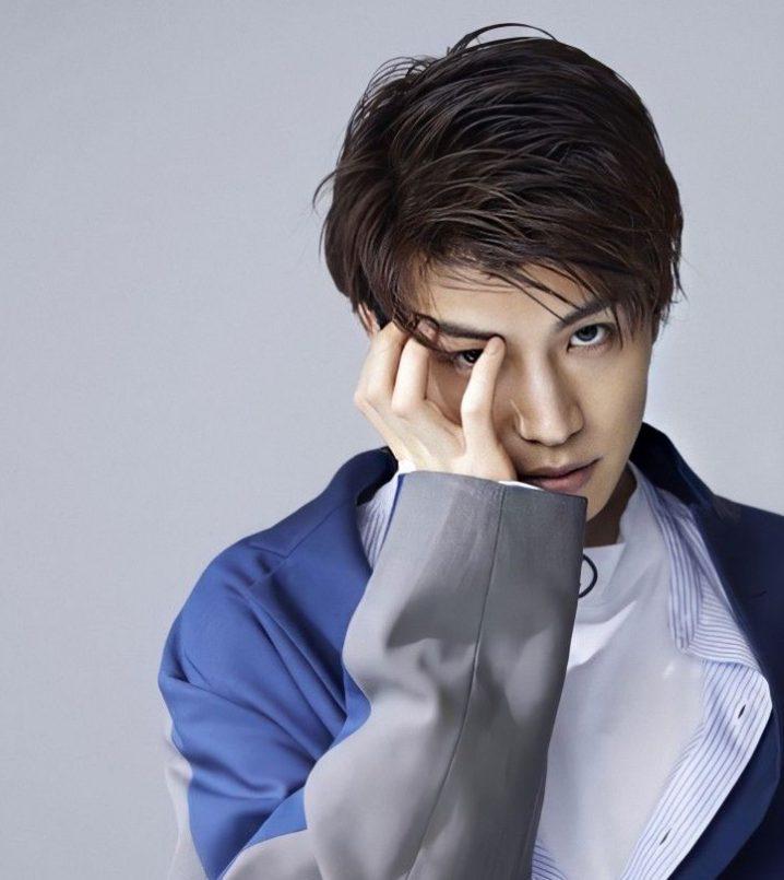 岩田剛典 髪型 2021